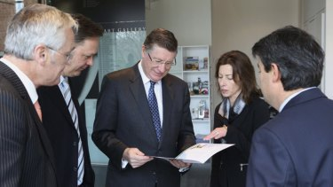 Victorian Premier Denis Napthine Denis Napthine speaks with Bendigo Art Gallery Director Karen Quinlan about the next big exhibition for 2014, <i>The Body Beautiful in Ancient Greece</i>.