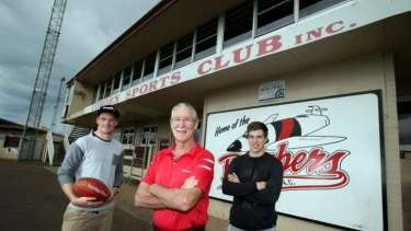 Back home: (from left) Swan Gary Rohan, VFL/AFL record holder John Rantall and Essendon's Zach Merrett at the Cobden ground.