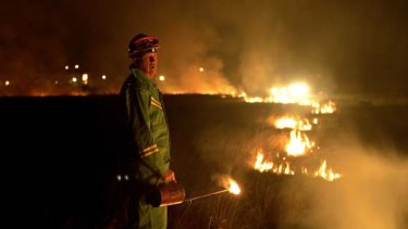 The commission criticised the state's current target for controlled burning of 130, 000 hectares a year, which equals about 1.7 per cent of public land. <i>Picture: Michael Clayton-Jones</i>