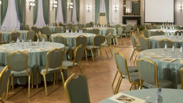 The Verdi Room is green because ''verdi'' means green in Italian.