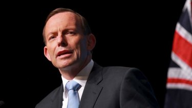 Prime Minister Tony Abbott has praised Sri Lanka's progress on human rights amid mounting speculation Tamil asylum seekers will be handed over to the country.