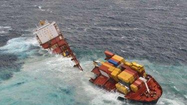 The Rena breaks apart off the New Zealand coast.
