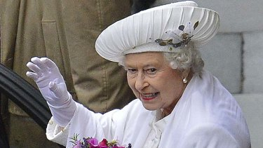 Diamond Jubilee ... the Queen waves to the crowd.