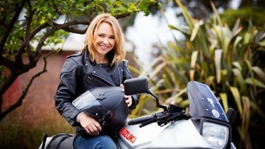 Steph Scully is permanently returning to <i>Neighbours</i>.