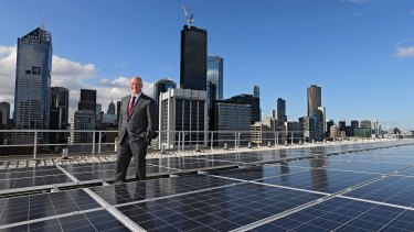 QIC and The Future Fund are both backing AGL Energy chief executive Andy Vesey and the company's new Powering Australian Renewables Fund.