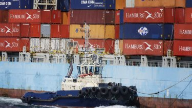 Engineer strike to shut down Melbourne's container port
