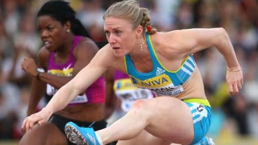 Sally Pearson will start as favourite in the 100m hurdles but has added the 100m sprint to her program in Delhi.