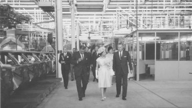 Holden Royale … Queen Elizabeth II at the Holden plant in 1963.