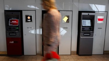 Australian borrowers are dumping their banks to get a better interest rate.