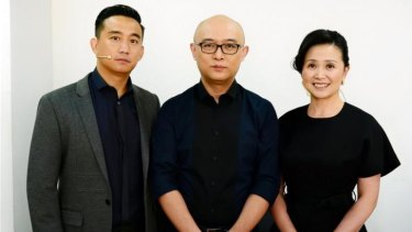 <i>If You Are the One</i> host Meng Fei (centre) with commentators Huang Lei (left) Hang Han (right)