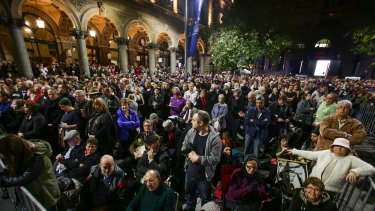 Crowds gathered at the Anzac Day dawn service in Sydney's Martin Place.