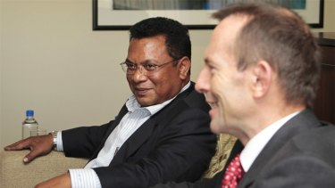 Mr Stephen meeting Opposition Leader Tony Abbott during the 2010 federal election campaign.