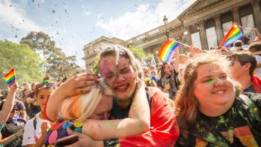Thousands of Melburnians turned out to celebrate the Yes vote.