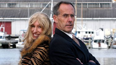 Naomi Edwards as her alter ego, Dolly Putin, with Greens leader Bob Brown before their appearance in <i>Me and Mr Brown</i> in 2006.