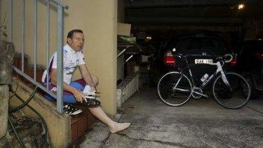 Tip-tap tiptoe: Prime minister-elect Tony Abbott prepares for a ride on Sunday morning.