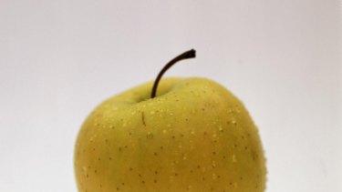 A Golden Delicious apple.
