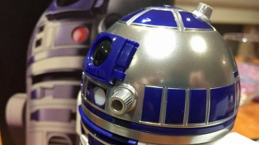 Artoo features plenty of detail, although he perhaps should look a little more beat up after all the action this little droid has seen.