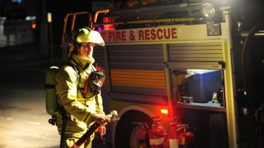 DFES urges people to stay away from the area of the blaze.