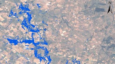 Satellite monitoring of floods showing Narromine at 18:29 AEDT on 7/12/2010.