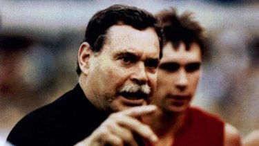Ron Barassi when he was coach of the Sydney Swans, with team captain Paul Kelly.