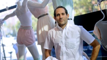 Dov Charney built a worldwide empire of 280 clothing stores, personifying the racy, risk-taking aesthetics of his business, but investors became skittish over his controversial persona.