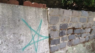 Even the graffiti artists are partial to stars in Brisbane.