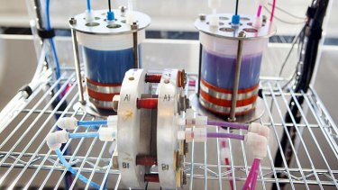 Lab-scale organic molecule flow battery developed at Harvard.