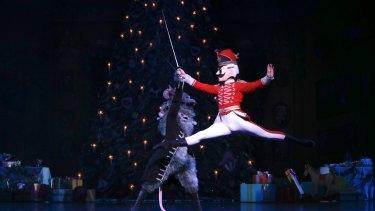 From Queensland Ballet's The Nutcracker, Emilio Pavan (King Rat) and Shane Wuerthner (Nutcracker).