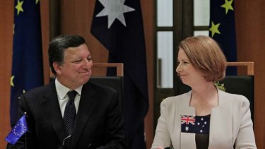 Green boom ... the European Commission President, Jose Manuel Barroso, with the Prime Minister, Julia Gillard, in Canberra.