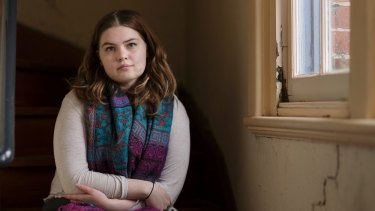 With the federal government trying to increase fees and decrease funding for universities, Melbourne University student Noni Bridger is concerned about her financial future.