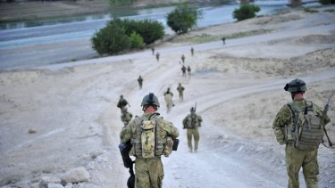 Manslaughter charges against two Australian commandos have been dismissed.