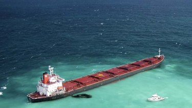 Oil leaked from a Chinese coal carrier when it ran aground near the Great Barrier Reef in April last year.