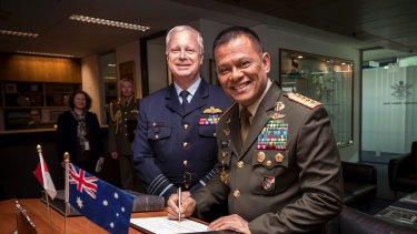 Commander-in-Chief of the Indonesian National Defense Force General Gatot Nurmantyo and Chief of Defence Force Air Marshal Mark Binskin in Canberra last year.