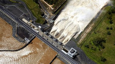 Rumours Wivenhoe Dam was about to burst picked up momentum in cyberspace during the Queensland floods.
