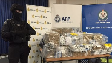 Police smash cocaine ring in Christmas Day raid