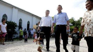 Scott Robinson and Tony Abbott in Nauru.
