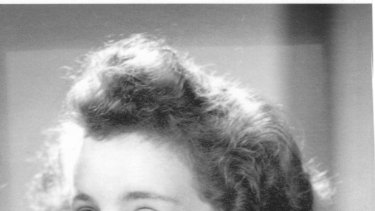 Melbourne author Dorothy Richards .