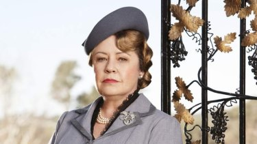 Noni Hazlehurst as Elizabeth Bligh in