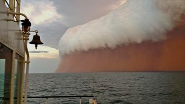 Conditions before storm hit were glassy and flat. The dust caught in the storm reduced  visibility to 100 metres.