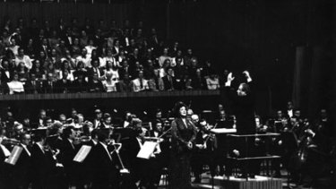 Lightning rod ... Mackerras leads the gala opening concert at the Sydney Opera House, featuring the Swedish soprano Birgit Nilsson, in 1973.