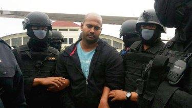 Myuran Sukumaran escorted to Cilacap last month.