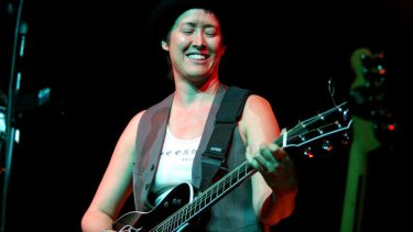 """US singer Michelle Shocked has upset fans at  San Francisco concert, with one of them calling her a """"total bigot""""."""