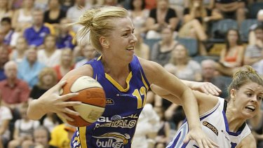 Threatened with knives ... Rachel Jarry in action for the Boomers during last year's WNBL season.