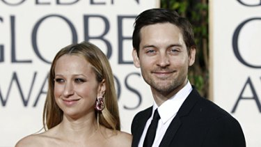Tobey Maguire has signed up to play Bilbo Baggins in the film of JRR Tolkien's classic The Hobbit.