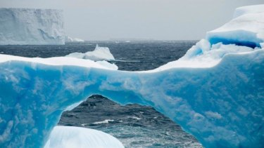 Melting moments: warm air triggered huge ice shelf collapse in 2002.