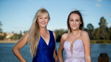 Lisa and her daughter Sarah were both finalists in the Mrs Australia pageant in 2017.