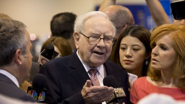 Warren Buffett, chairman of Berkshire Hathaway Inc., is looking to buy power transmission company Oncor.