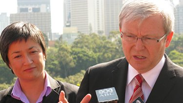 Climate Change Minister Penny Wong and Prime Minister Kevin Rudd speak to reporters in Kangaroo Point today.