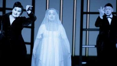 Production of Brecht's <i>Threepenny Opera</i>.