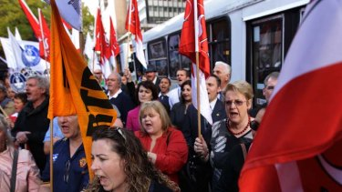 Hundreds of members of more than a dozen unions protested  against the government's IR plans in Macquarie Street today.